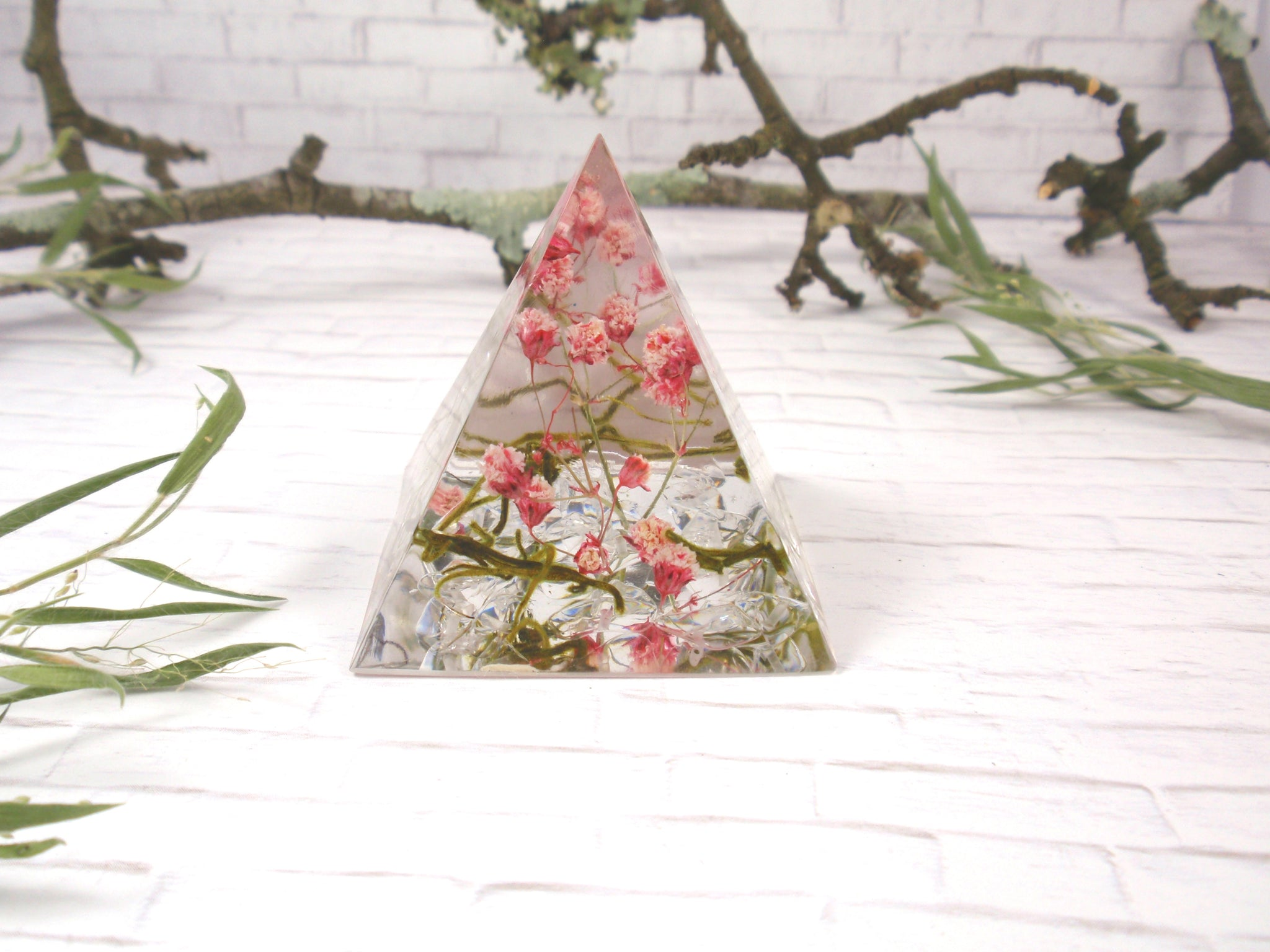 resin pyramid with flowers