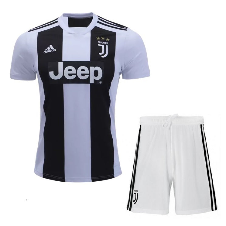 half off 3f372 b909a Kids Juventus Home Kit Jersey 2018-2019