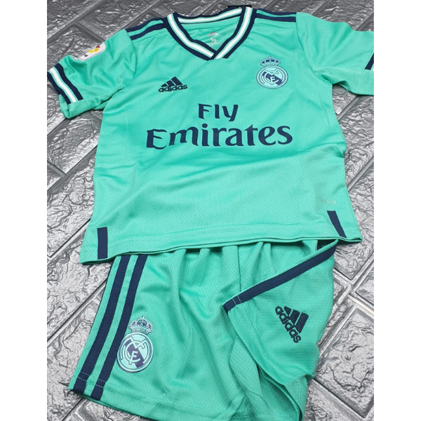 new style 4d9c7 fd3e5 Real Madrid Kids third Kit 2019/20