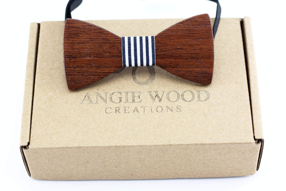 Kids wooden bowtie with black