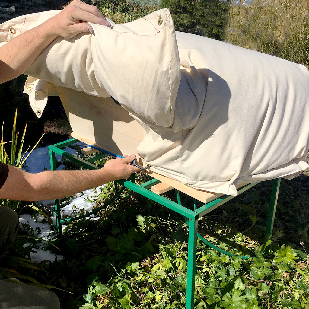 Easy installation of the Beehive Cozy Cover