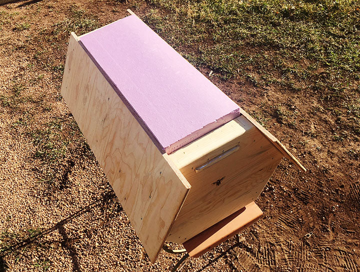 The-Cathedral-Hive-insulation-board-top