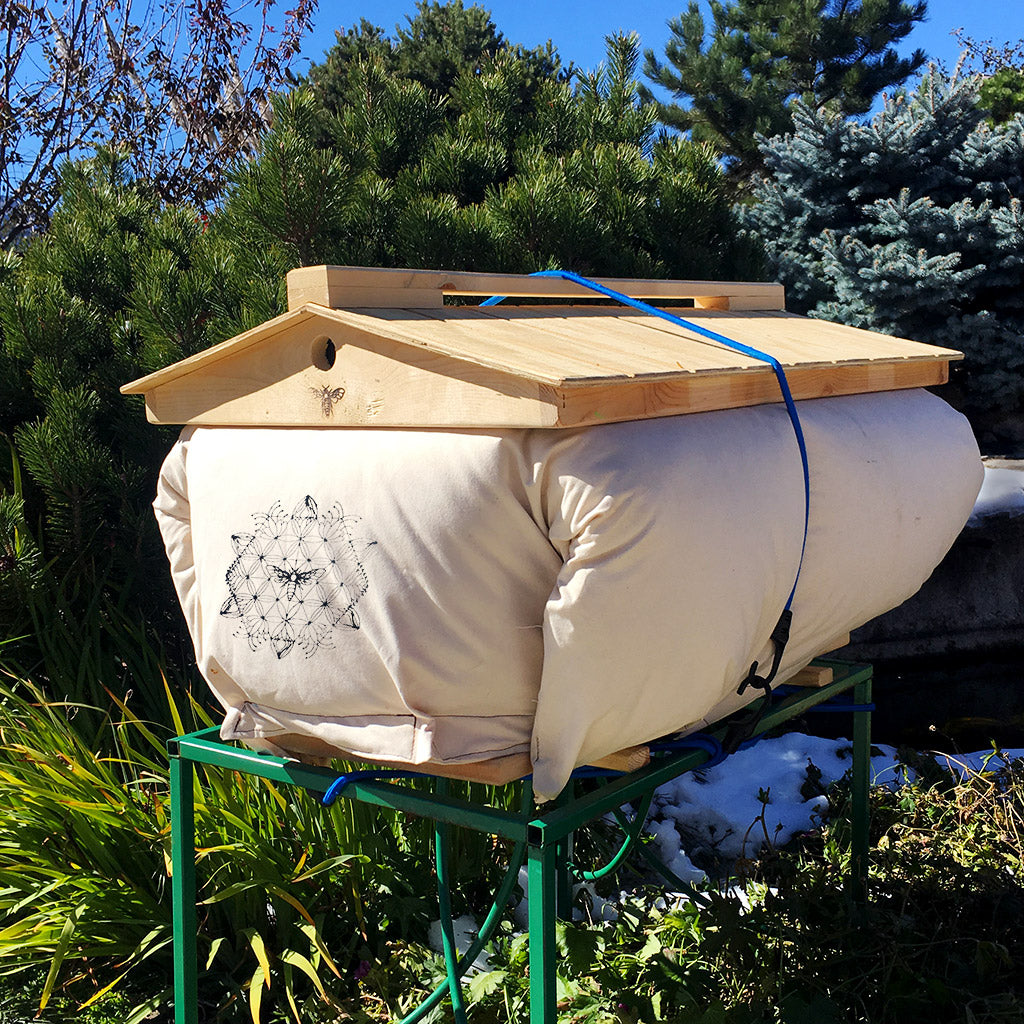 Cozy-Cover-winterizing-insulation-bee-hive