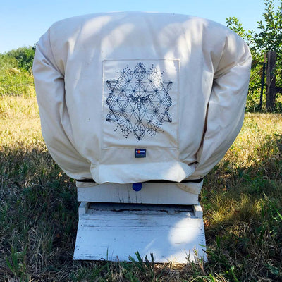 Cozy Cover winter insulation langstroth bee hive