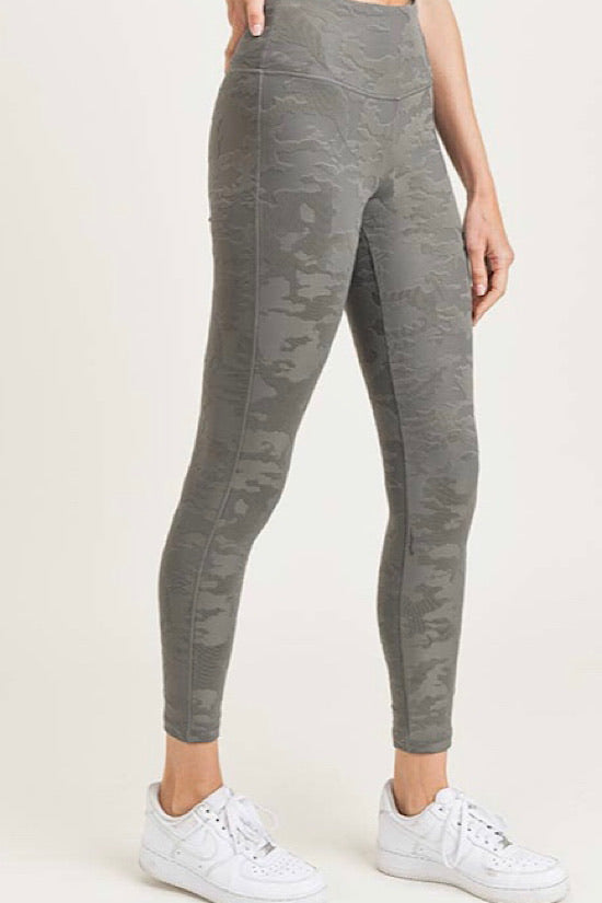 Textured Gunmetal Gray Camo Jacquard Leggings