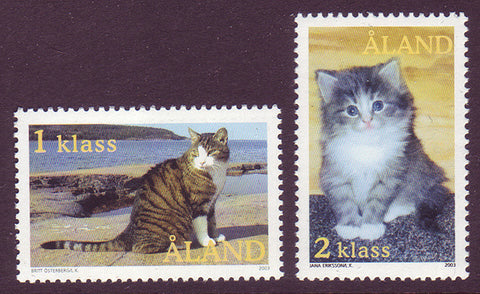 Aland set of 2 stamps showing House Cats