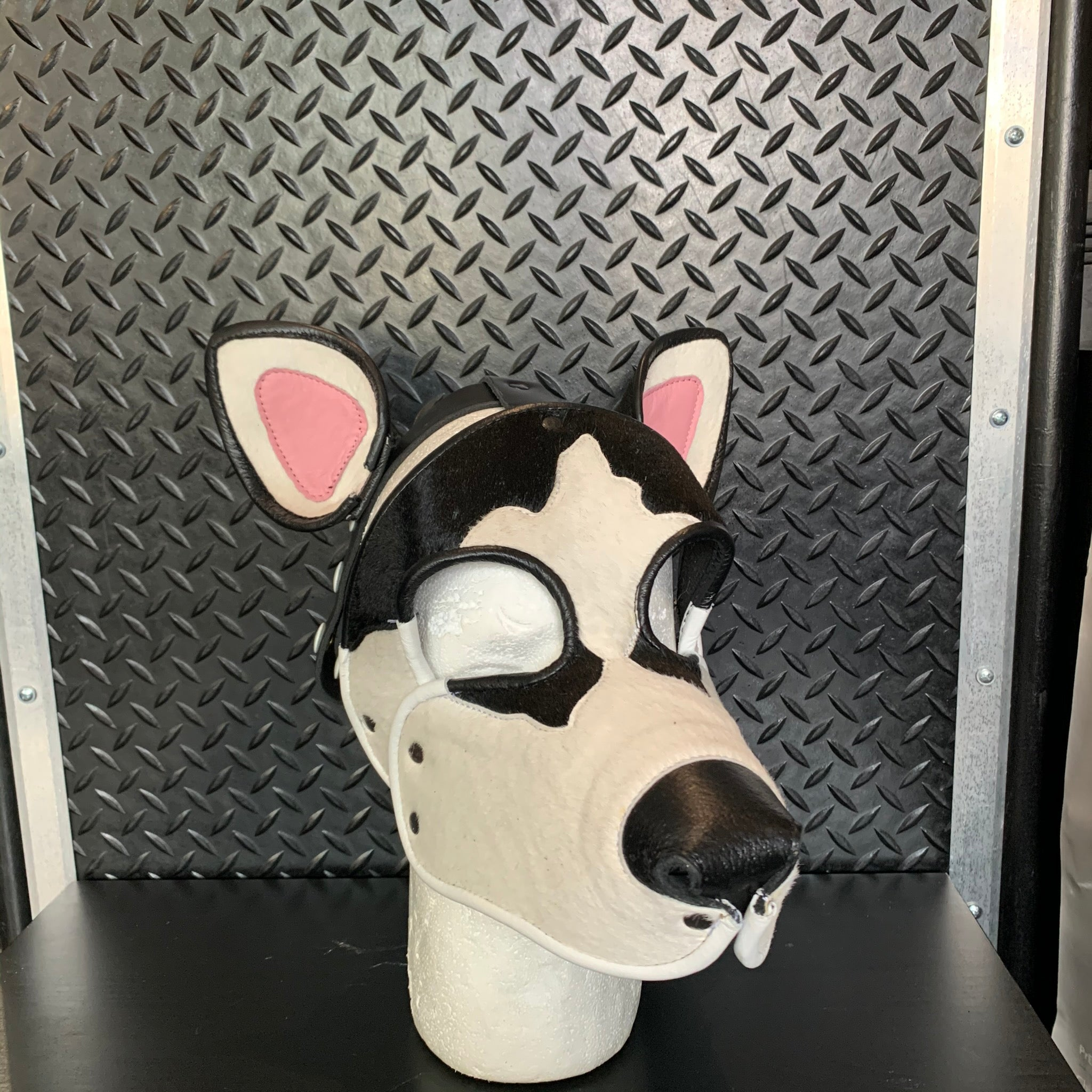 P&C CREATIONS PUP HOOD-HUSKIE BLACK/WHITE