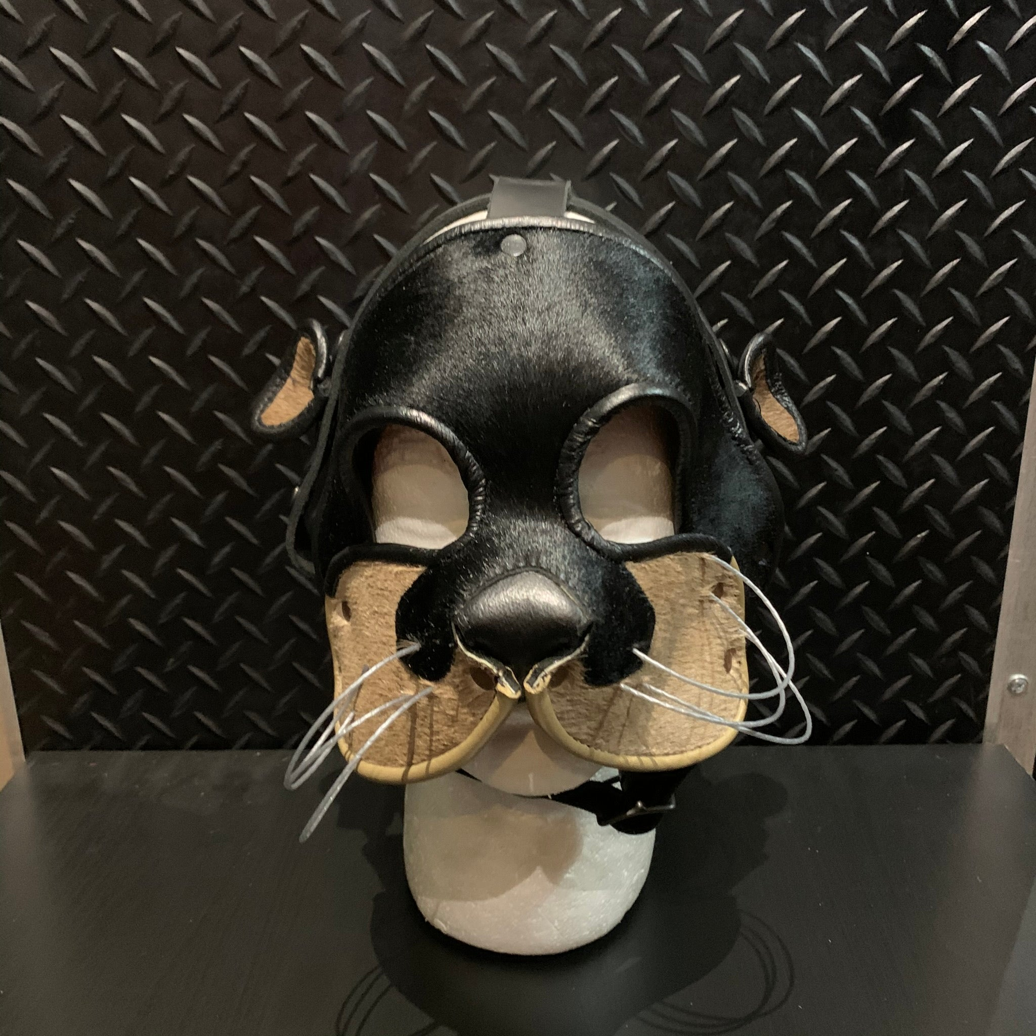 P&C CREATIONS PUP HOOD-OTTER