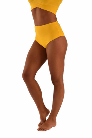 High Waisted Pole Shorts - Yellow