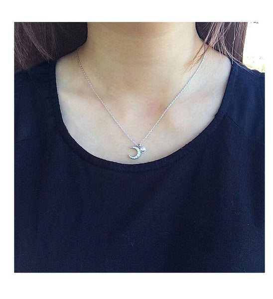 Pearl and Crescent Moon Necklace - MenriThings