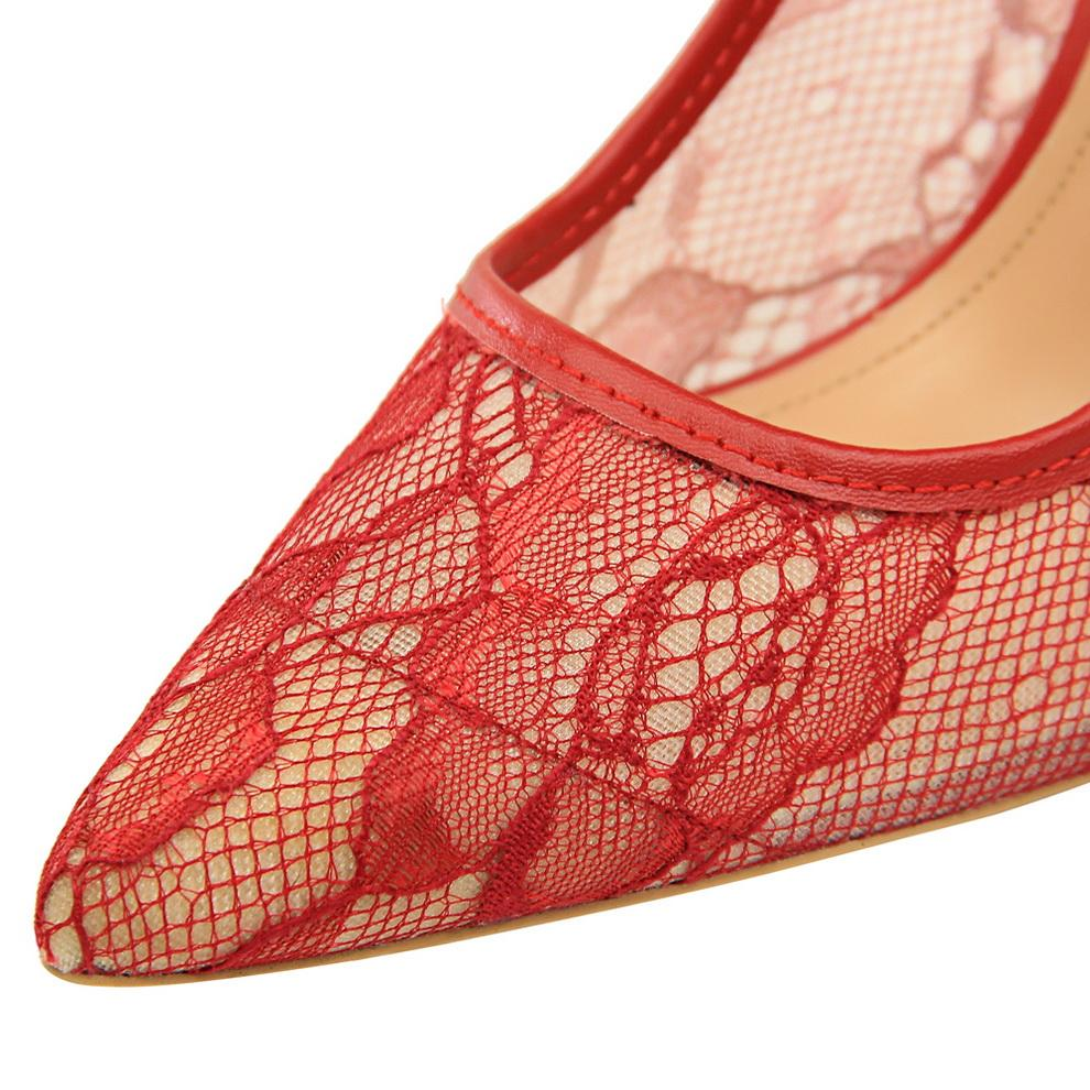 2018 - Sexy Embroider Pointed Toe Shoes - Fashion Arks