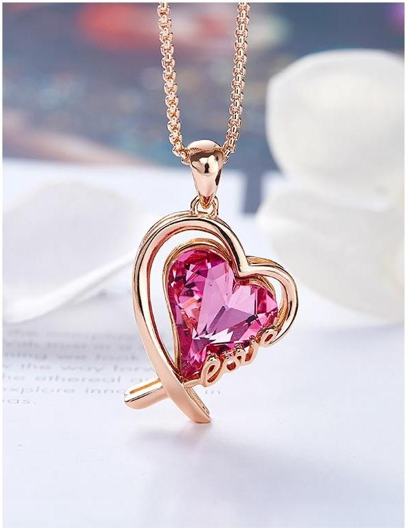 """LOVE"" Heart Necklace - Fashion Arks"