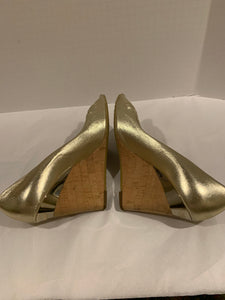 GUCCI metallic gold leather cork wedge sandals Size 40/10