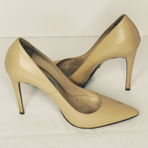 Prada Nappa leather pointed pumps heels size 9