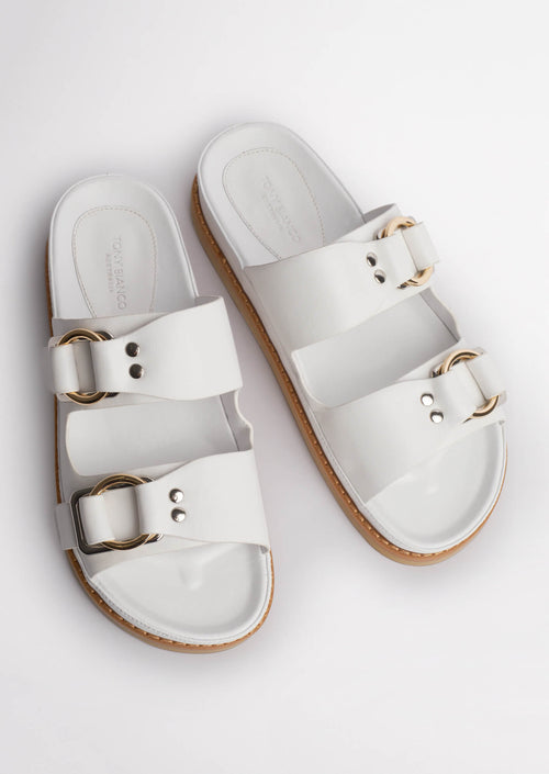 Hunter Milk Capretto Sandals