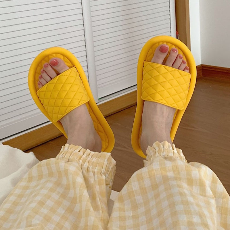 Women's Geometric Plaid Slippers