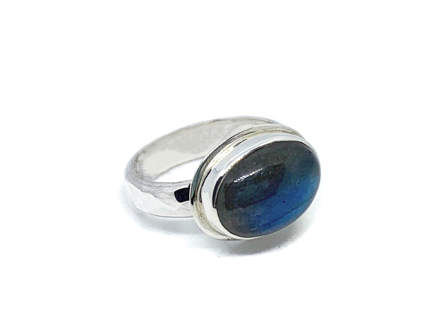 Labradorite Ring Silver Oval with Hammered Band Size 7-1/2