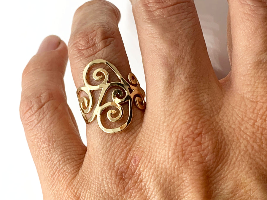Gold Hammered Swirl Ring