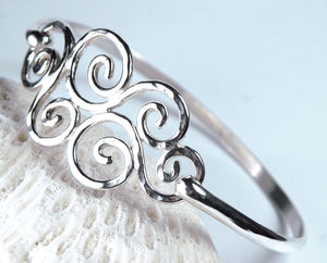 Silver Swirl Hook Bracelet Latching Bangle 7-1/4""