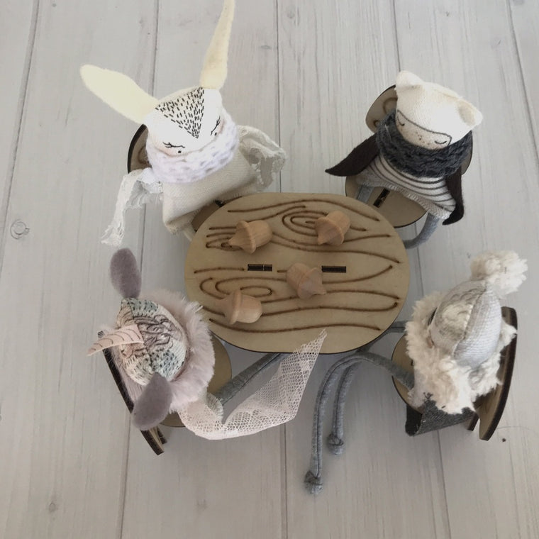 Teeny Paper Dolls