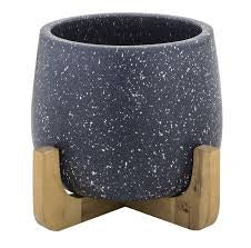Anke Planter Pot On Stand