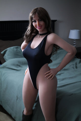 Mariana: Big Booty Mexicana