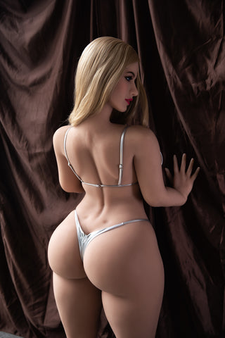 Astrid: Big Titty White Girl with Big Booty