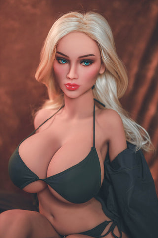 Zoe: Beautiful Busty Blonde