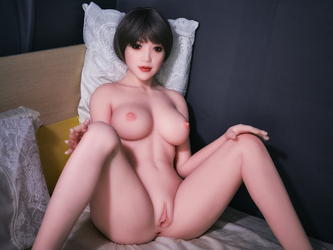 Asami: Asian Slut with Bob Cut