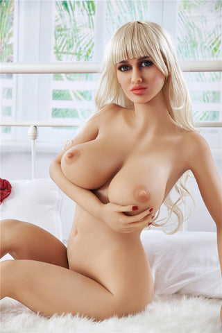 Yulia: Big Titty Russian