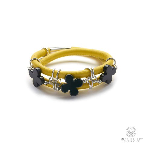 Swirl Double – Wrap Bracelet White with Black Agate Clovers in Silver