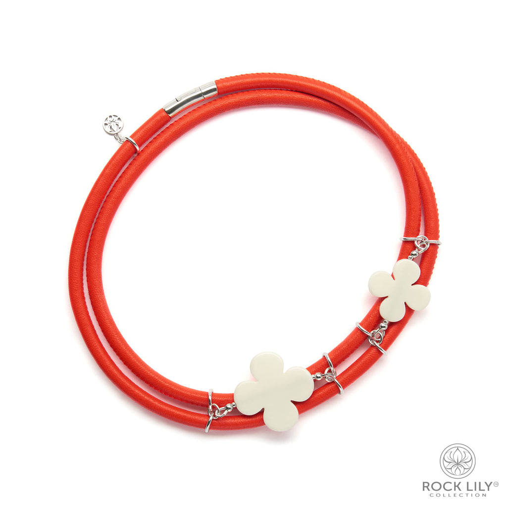 Swirl Double – Wrap Necklace Orange with White Agate Clovers in Silver