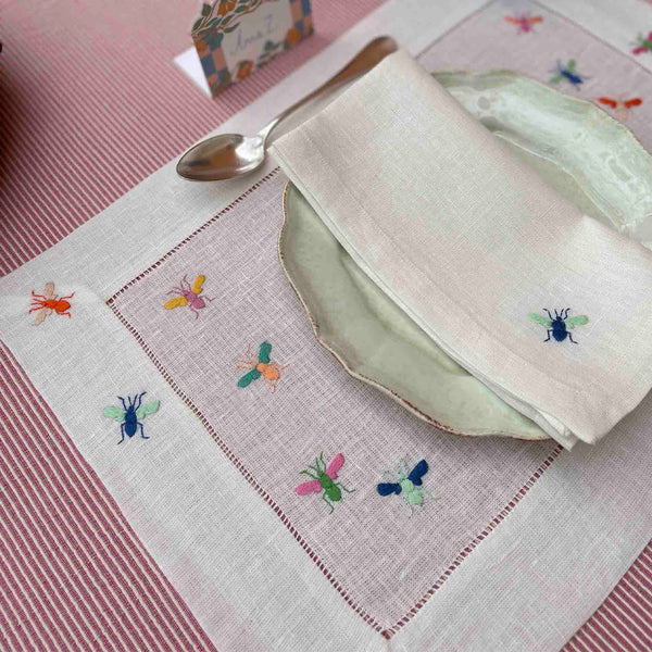 BEES PLACEMAT Placemats Avenue, Busy Bees, care-guide-delicate-40, Collecto, drop-ship, Goya, Hand Embroidered, no_sale_item, placemat, SS2021, table