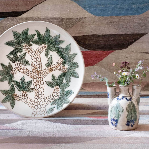 GREEN SCAPE PLATE pottery table