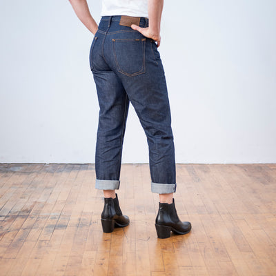 Women's Style Guide to Wearing Men's Jeans