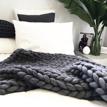 OVERSIZE KNITT WOOLLEN THROW Chunky Blanket, Chunky throw, knitting with wool, grey, minimalist   N I C K E L . N . C O