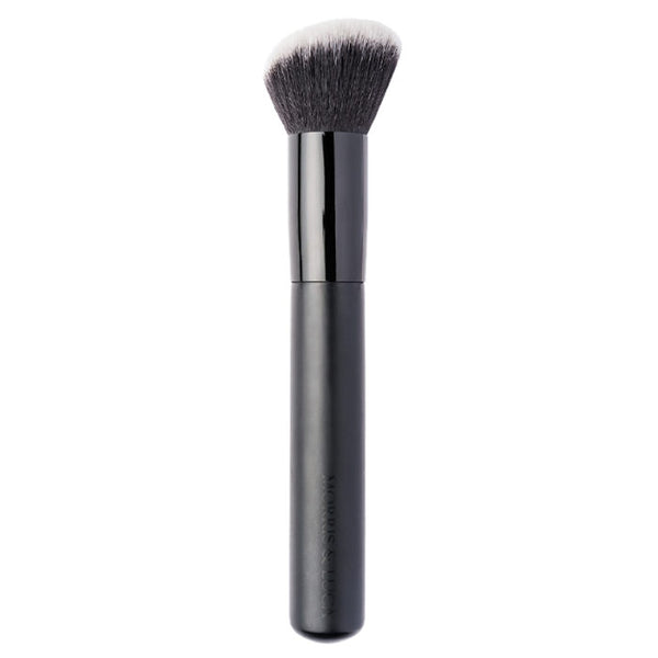 #06 Flawless Finish Foundation Brush