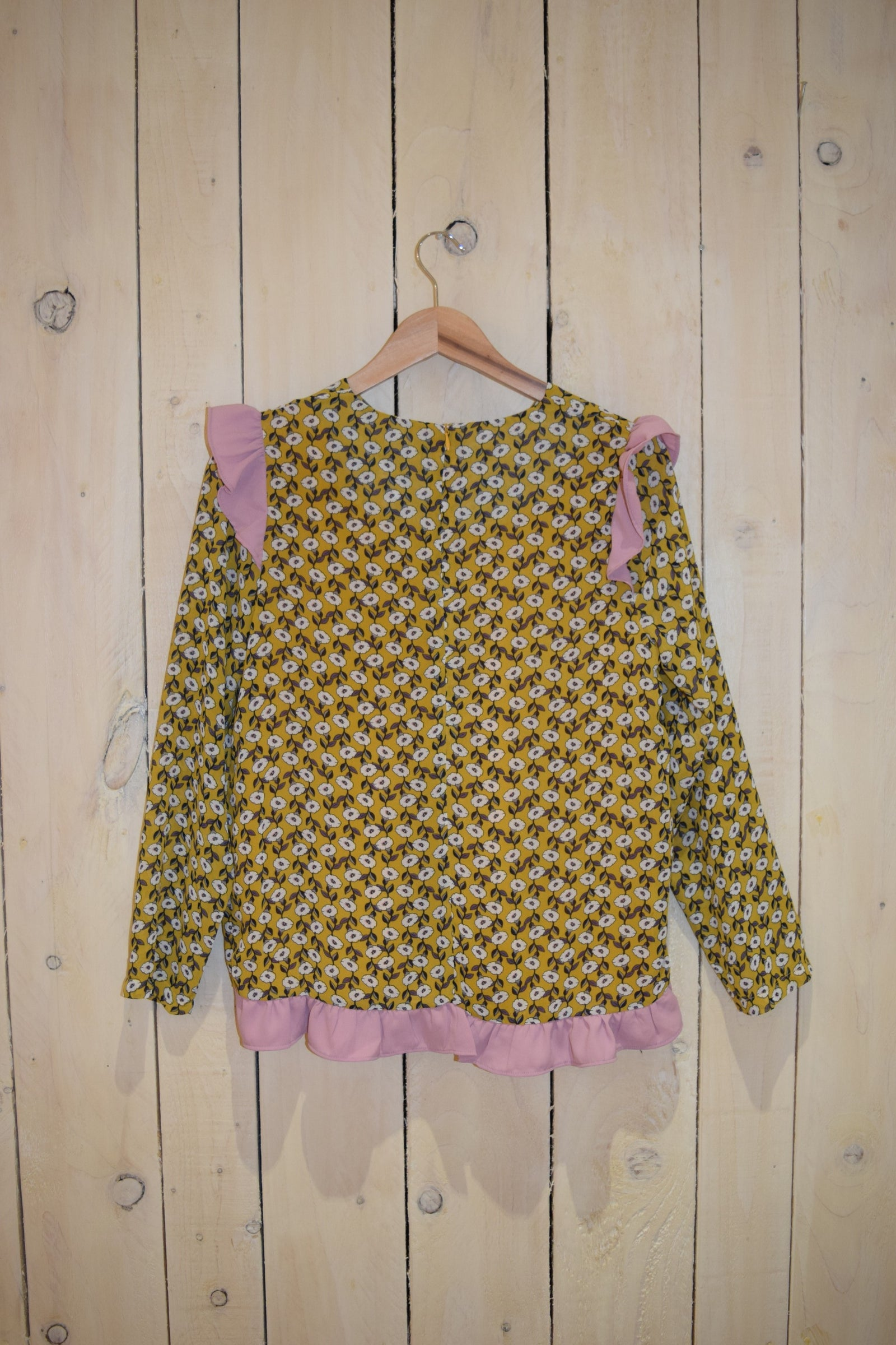 Pushing Daisies Top - With Love Omagh
