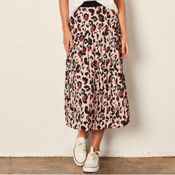 The Leopard Knifepleat skirt - Peach Leopard