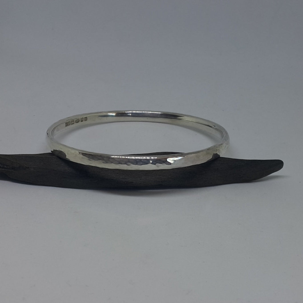 Court Planished Bangle