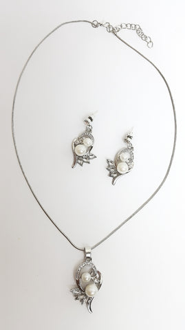 jewellery set Two Pearls Leaf necklace and earrings set - Living in Style with Olga
