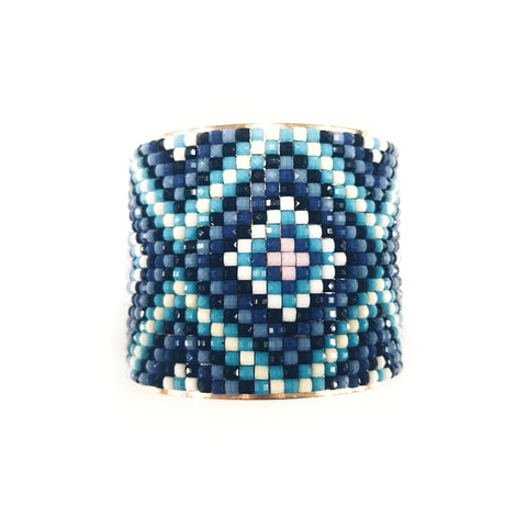Ornament cuff bracelet, blue.