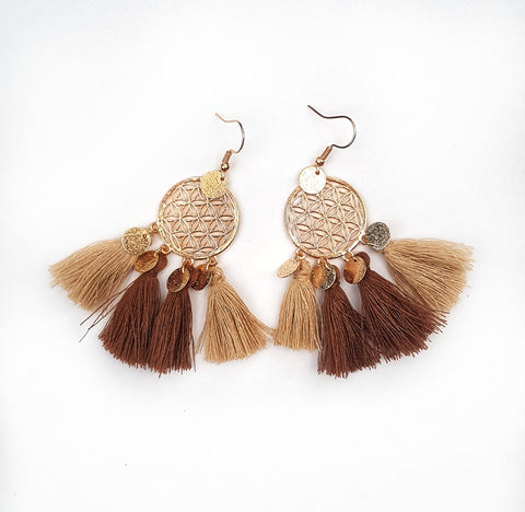 Dream Catcher earrings, mocha.