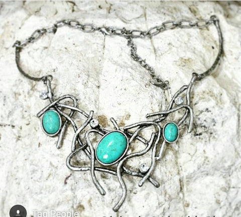 Vines necklace, turquoise.