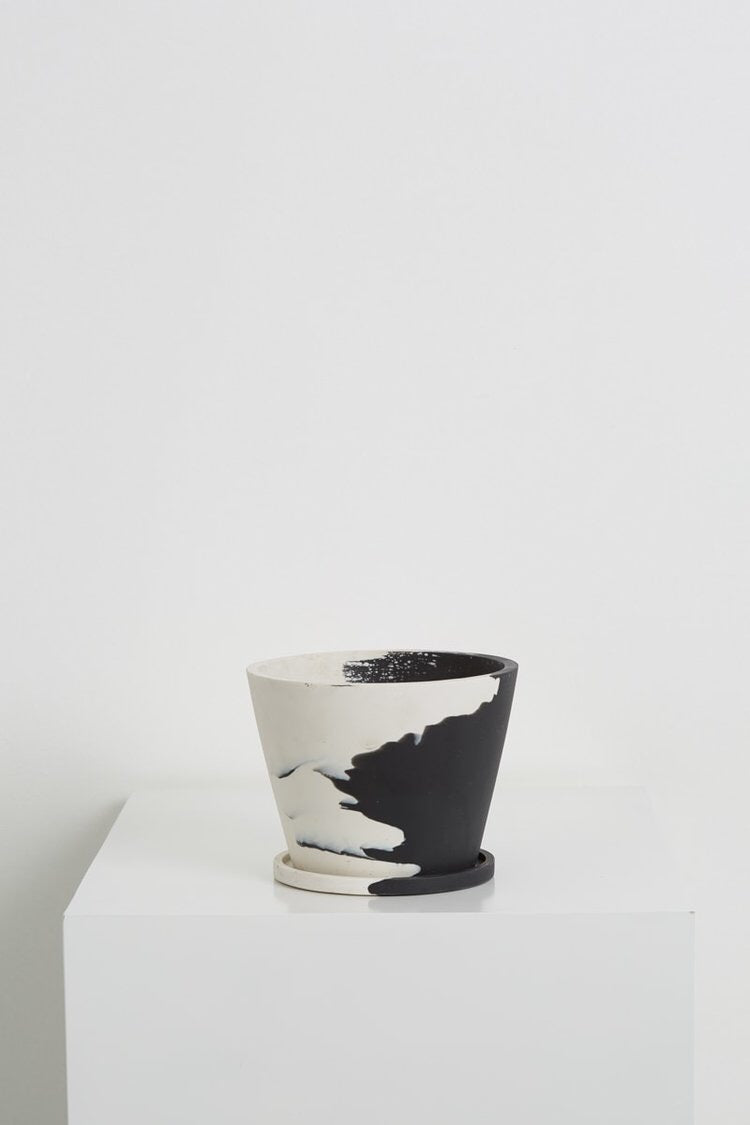 'Capra Designs' Small Original Pot Even-Steven Black/White