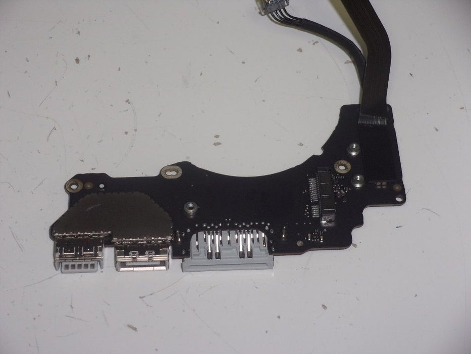 Apple MacBook Pro A1502 Input/Output I/O Board Card Reader w/Cable 820-00012-A