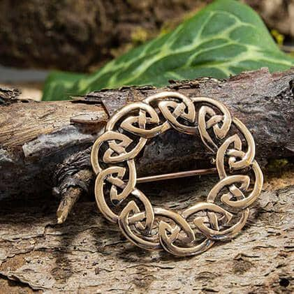 Brooch Celtic knot Needle Bronze