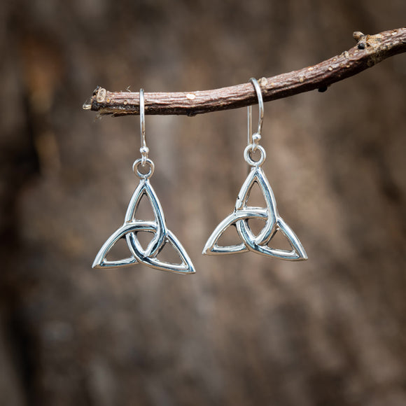 Hanging Earrings Celtic Knot Triad 925s Silver