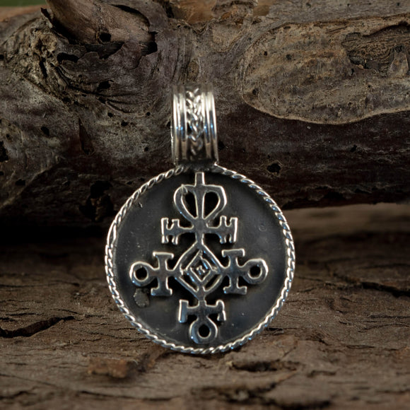 Rune Amulet Love Pendant 925s Sterling Silver