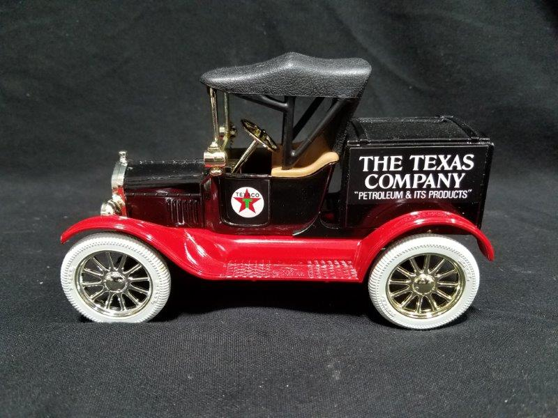 1918 Texaco Ford Runabout Die Cast Limited Edition Coin Bank with Key by Ertl in Original Box